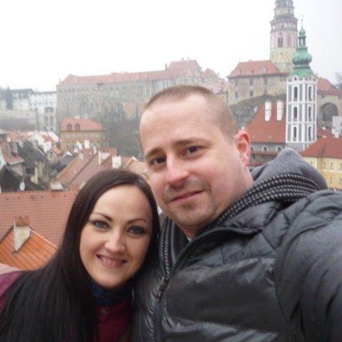 Pircs Zsuzsanna Szobalány Győri Attila Felszolgáló